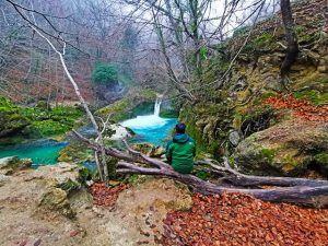 Nacimiento del río Urederra, Navarra.