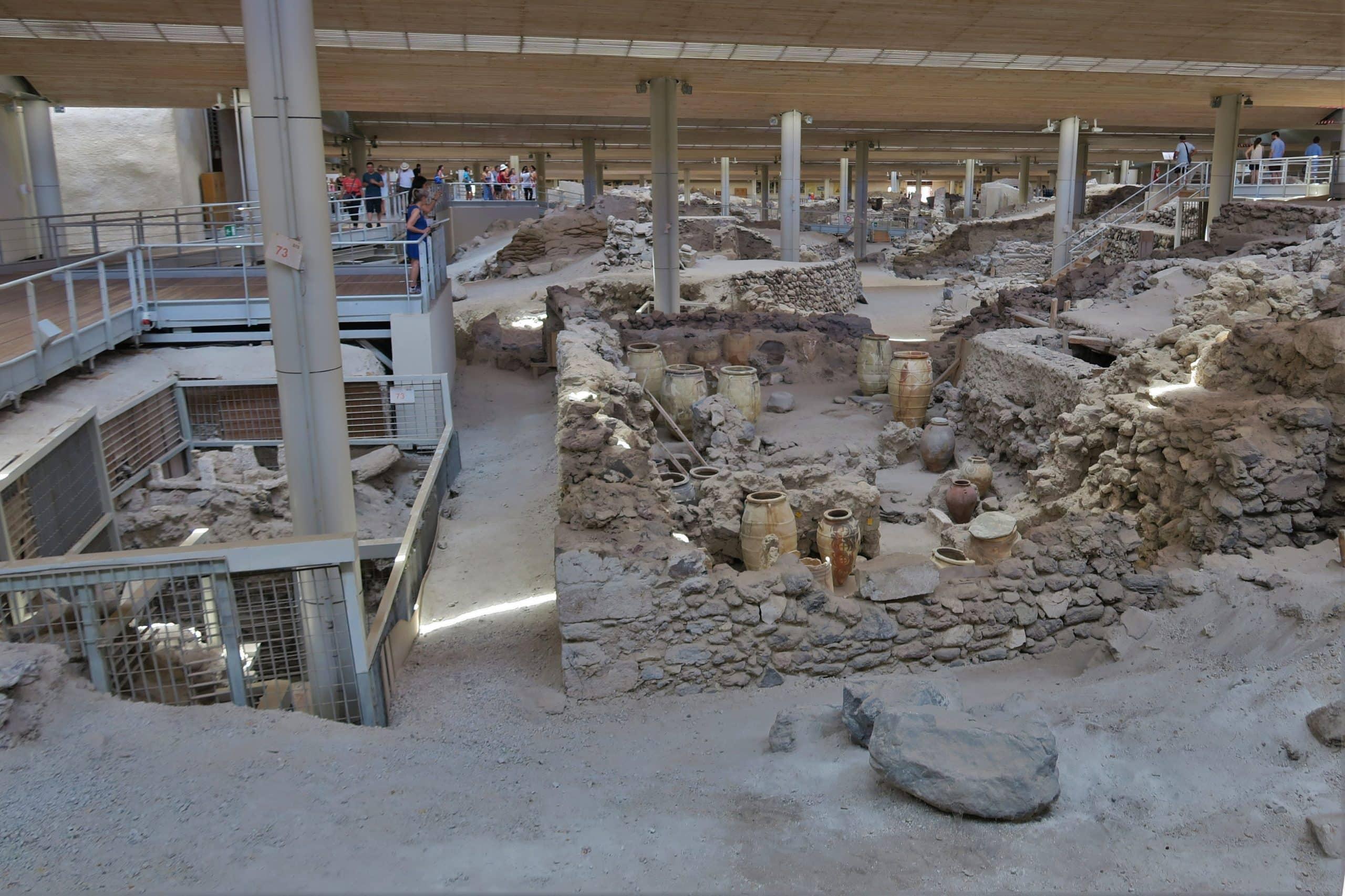 yacimiento arqueologico acrotiri